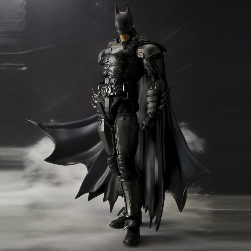 batman-injustice-gods-among-us-figuarts-action-figure